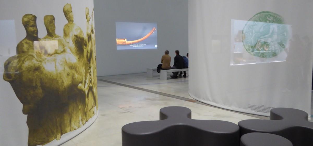 La projection des films dans l'exposition